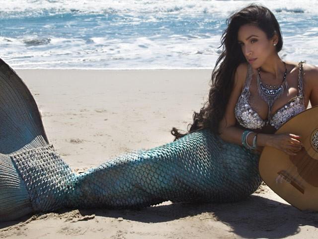 Valerie Perez Save Our Beaches photo shoot